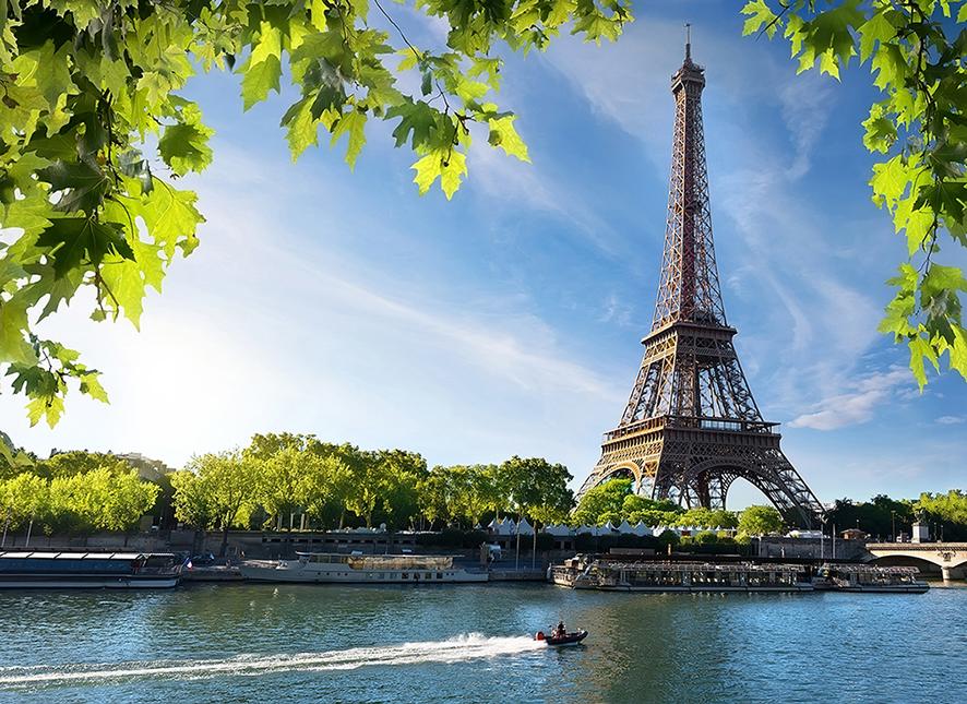Eiffel Tower | Land Rover Explore