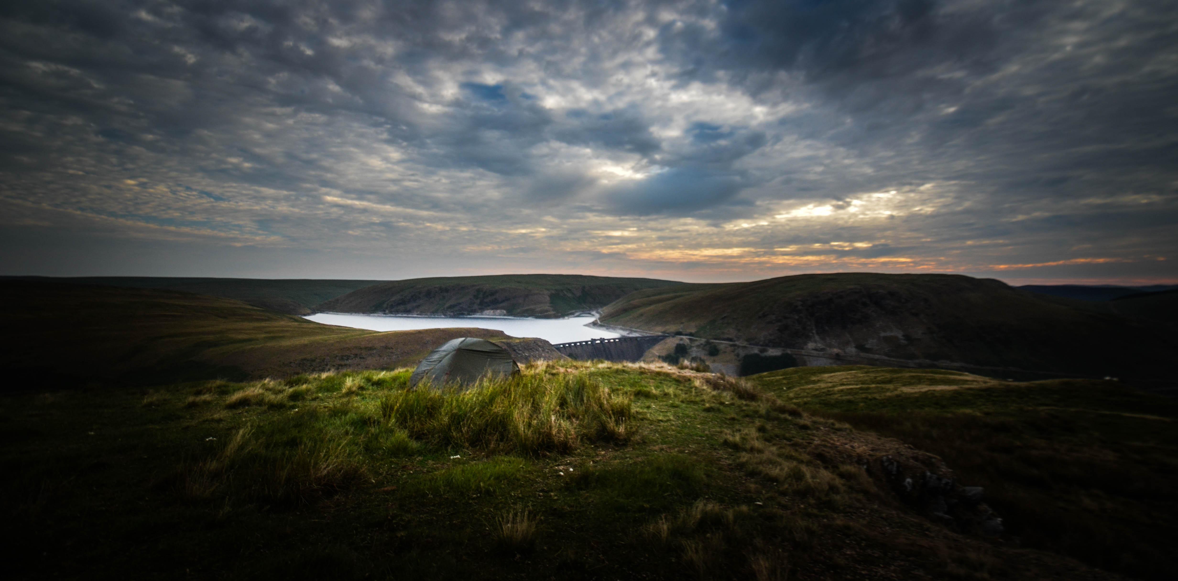 Wild camping in Elan Valley via@henwickcharlie | Land Rover Explore